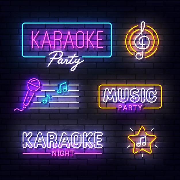 Sinal de néon do karaokê. indicador de luz de néon brilhante da festa da música. sinal de karaoke com luzes de néon coloridas isoladas na parede de tijolos. Vetor Premium