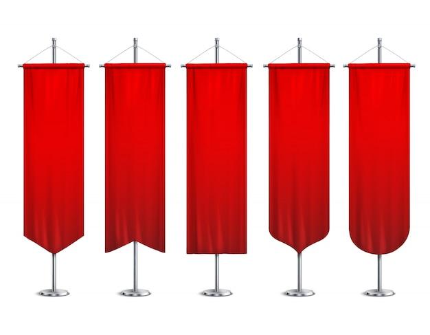 Sinal vermelho longo esporte publicidade galhardetes banners amostras no poste suporte ilustração realista conjunto pedestal Vetor grátis
