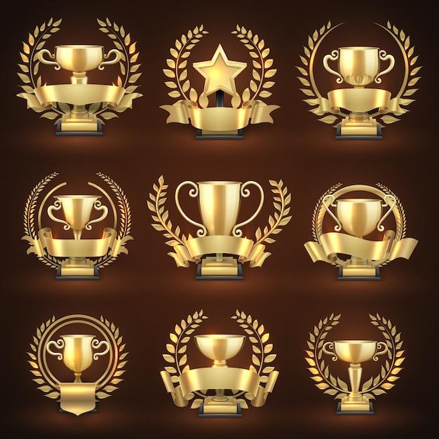 Taças de troféus vencedoras de ouro, prémios desportivos premiados com grinaldas e fitas douradas. campeonato de emblema e coleção de liderança. ilustração vetorial Vetor Premium