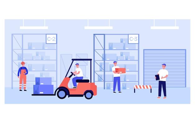 Trabalhadores de armazém e correios carregando caixas Vetor Premium