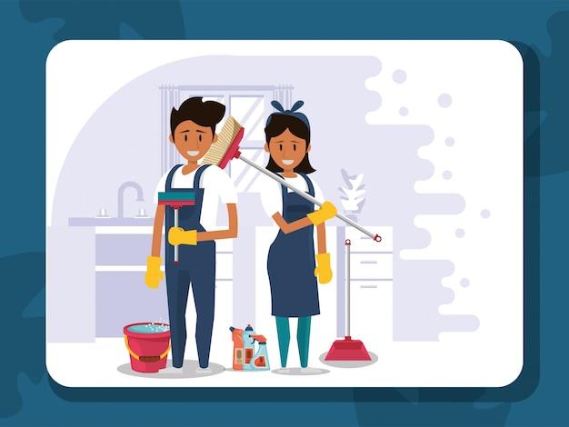Trabalhadores do casal housekepping com equipamento Vetor Premium