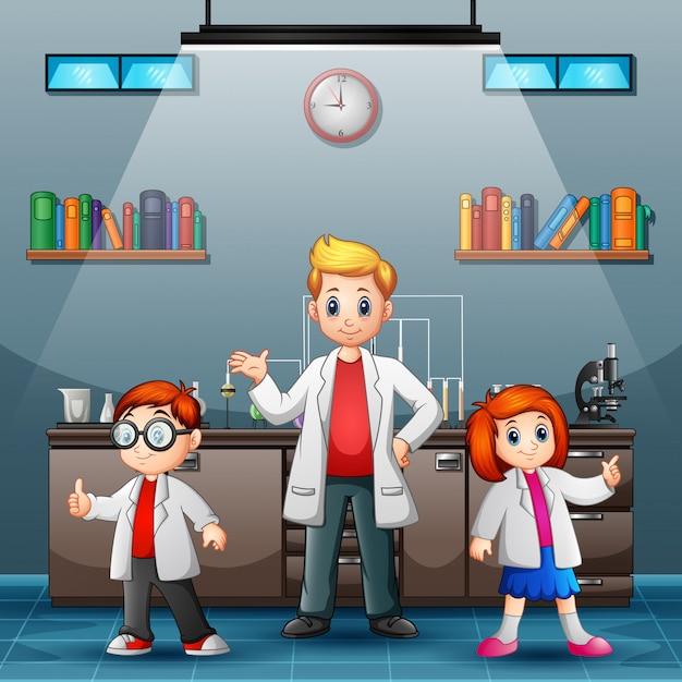 Três, jovem, cientista, é, sorrindo, em, um, laboratório Vetor Premium