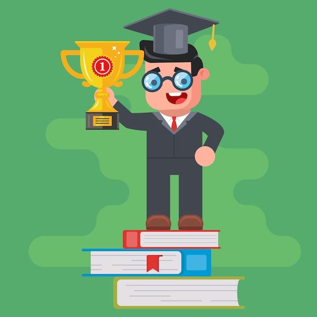 Um graduado da universidade segura uma taça de ouro vencedora e fica no pódio de livros. vitória na competição intelectual. personagem plano Vetor Premium