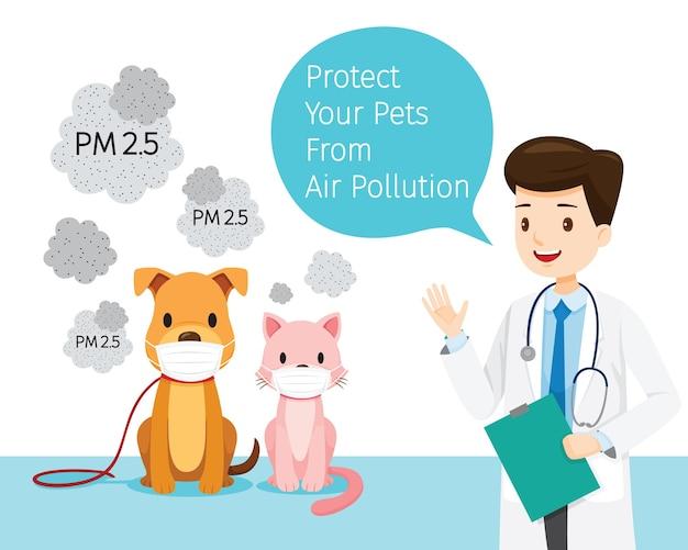 Veterinário masculino com cachorro e gato usando máscara contra poluição do ar para proteger a poeira Vetor Premium