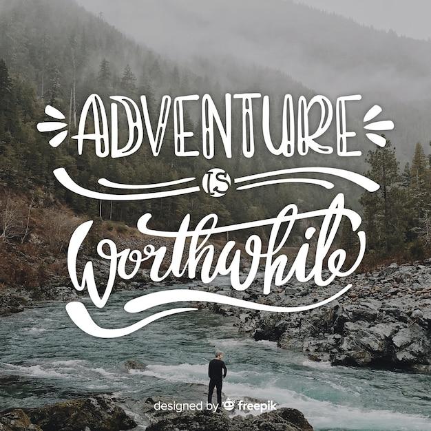 Viajar letras fundo com foto Vetor grátis