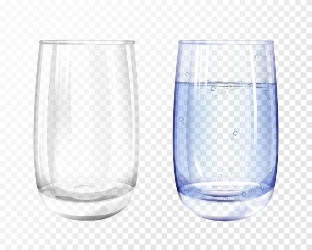 Vidro realista vazio e copo com água azul em fundo transparente. Vetor grátis