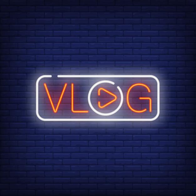 Vlog sinal de néon. texto brilhante com a letra o em forma de botão play. Vetor grátis