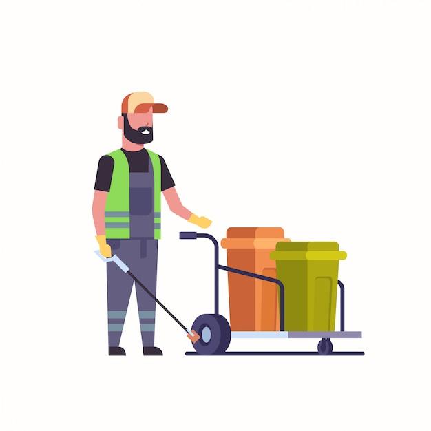 Zelador de homem, coleta de lixo com vara de ferro limpador masculino empurrando carrinho de carrinho Vetor Premium