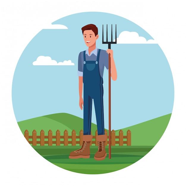 Agricoltore che lavora nel cartone animato del campo Vettore gratuito
