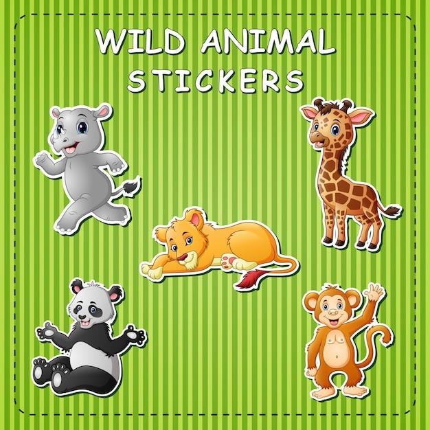 Animali selvatici simpatico cartone animato su adesivi Vettore Premium