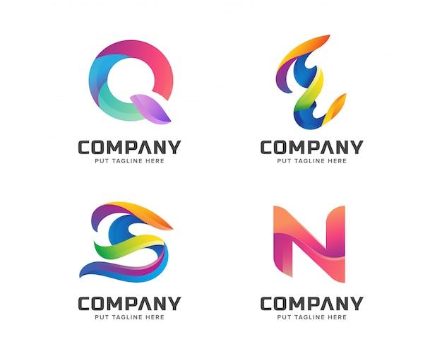 Annata d'annata stabilita del modello iniziale di logo della lettera creativa Vettore Premium
