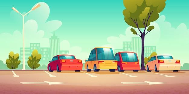 Automobili sul parcheggio della strada della città con segnaletica stradale Vettore gratuito