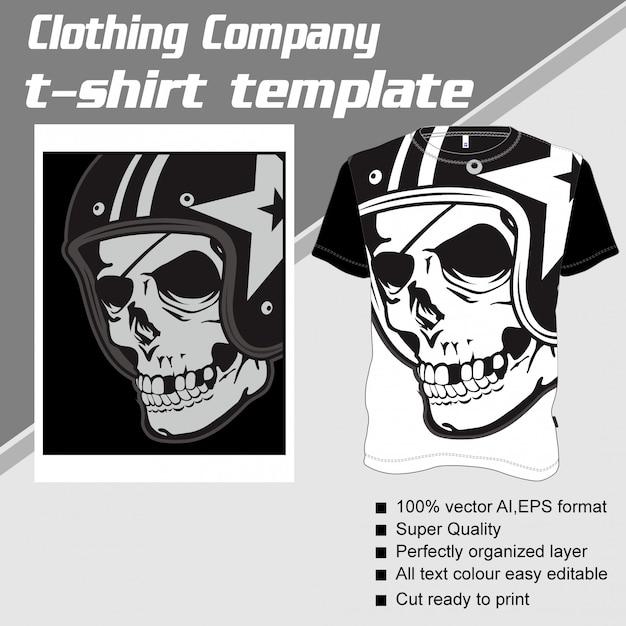 Azienda di abbigliamento, modello t-shirt, casco con teschio Vettore Premium