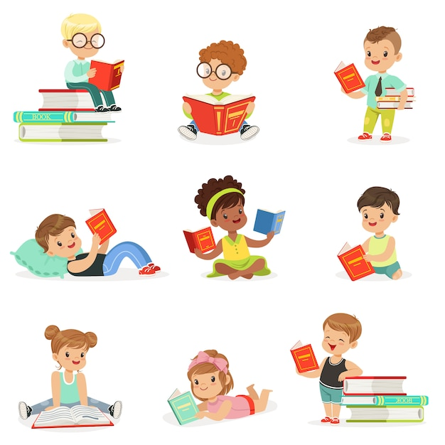 Bambini che leggono libri e godono della raccolta di letteratura di simpatici ragazzi e ragazze che amano leggere seduti e sdraiati circondati da pile di libri. Vettore Premium