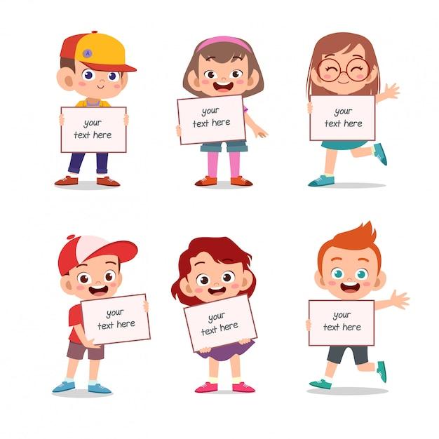 Bambini che tengono il gruppo di testo di bordo impostato Vettore Premium