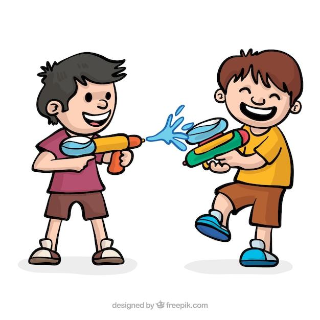 Bambini felici che giocano con pistole ad acqua Vettore gratuito