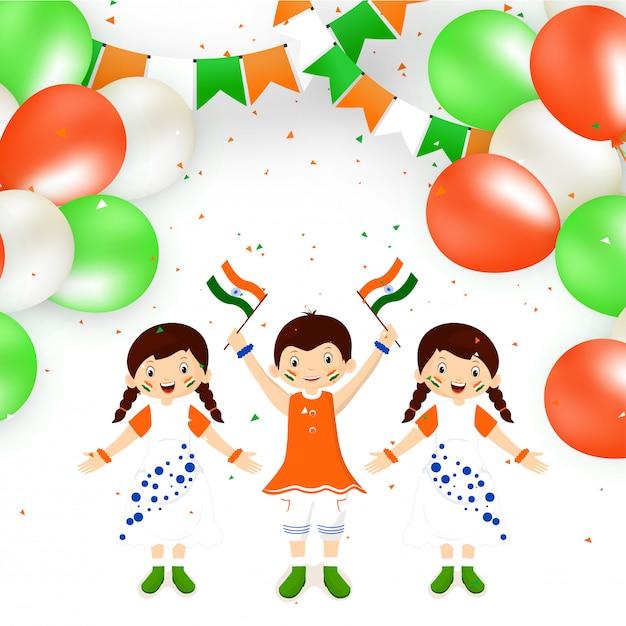 Bambini felici svegli che tengono bandiera indiana Vettore Premium