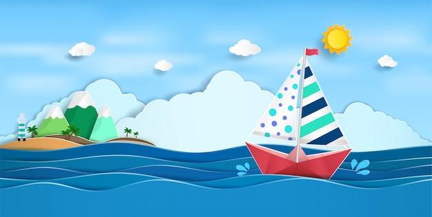 Barca a vela di carta a vela sull'oceano e una vista della natura che brillante estate Vettore Premium