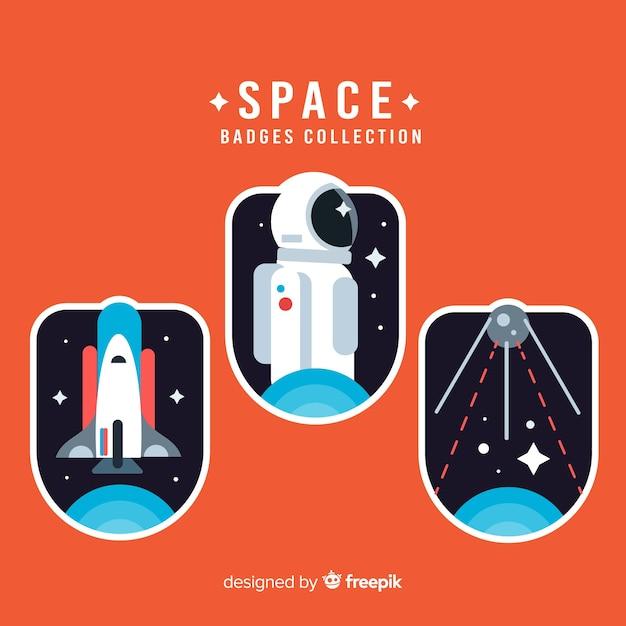 Bella collezione di badge spaziali con design piatto Vettore gratuito