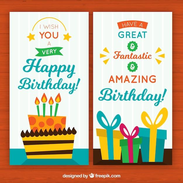 Biglietti di auguri sveglio con la torta di compleanno e regali Vettore gratuito