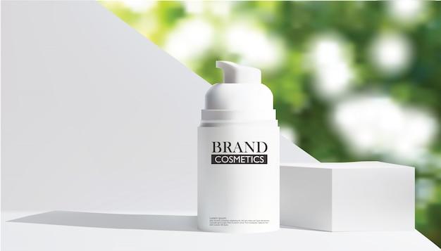 Bottiglia cosmetica bianca realistica con bokeh verde Vettore Premium