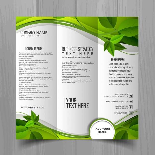 Brochure trittico verde Vettore gratuito