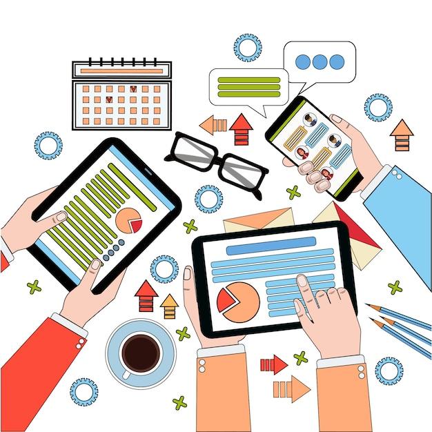 Business view top desk, processo di lavoro con diagrammi e documenti, businesspeople hands holding digital tablet e laptop Vettore Premium
