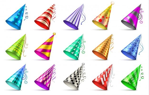 Cappelli di carta festa di compleanno isolati. cappucci divertenti per l'insieme di vettore di celebrazione Vettore Premium