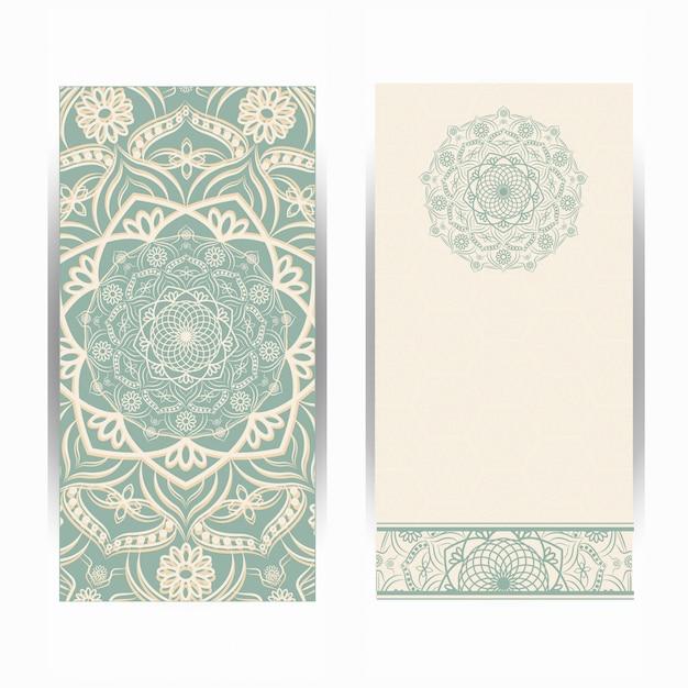 Carta di invito matrimonio vintage con motivo a mandala, motivo floreale mandala e ornamenti. design orientale. Vettore Premium