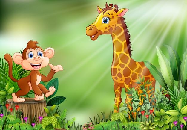 Cartone animato della scena della natura con una scimmia che si siede sul ceppo e sulla giraffa di albero Vettore Premium