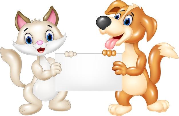 Cartone animato divertente gatto e cane con cartello bianco Vettore Premium