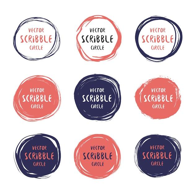 Cerchi colorati disegnati a mano scribble ed etichette con set di testo Vettore Premium