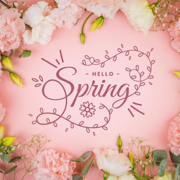 Ciao primavera lettering con il concetto di foto Vettore gratuito