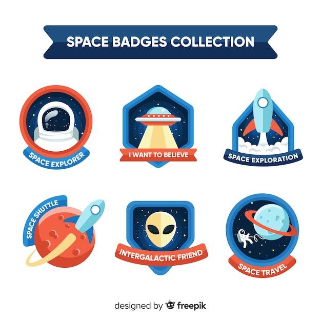 Collezione di badge spazio colorato con design piatto Vettore gratuito