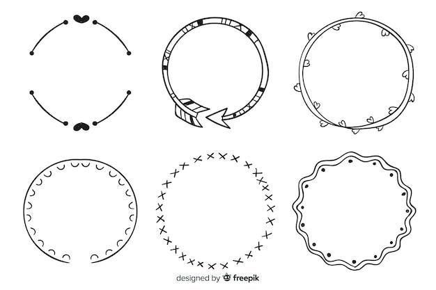 Collezione di cornici decorative disegnate a mano Vettore gratuito