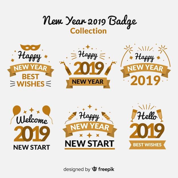 Collezione di distintivi del nuovo anno con stile dorato Vettore gratuito