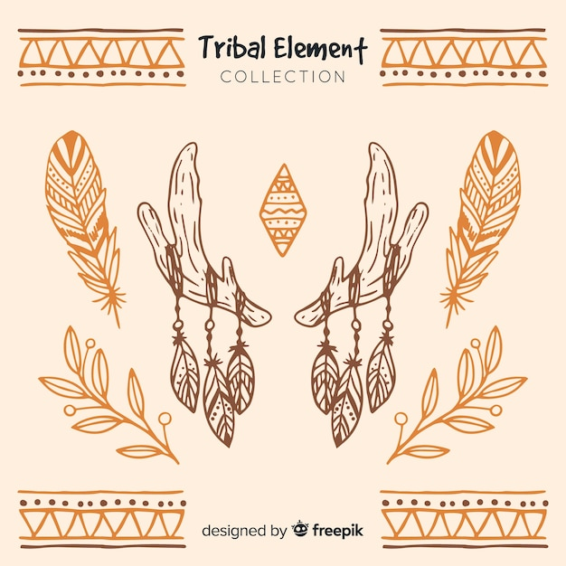 Collezione di elementi tribali disegnati a mano Vettore gratuito