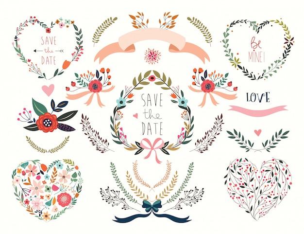 Collezione di san valentino con diversi cuori e composizioni floreali Vettore Premium