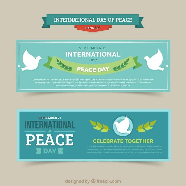 Confezione Di Banner Per Il Giorno Della Pace Con Colombe Bianche