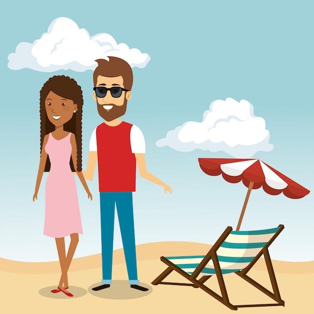 Coppia nei personaggi della spiaggia Vettore gratuito