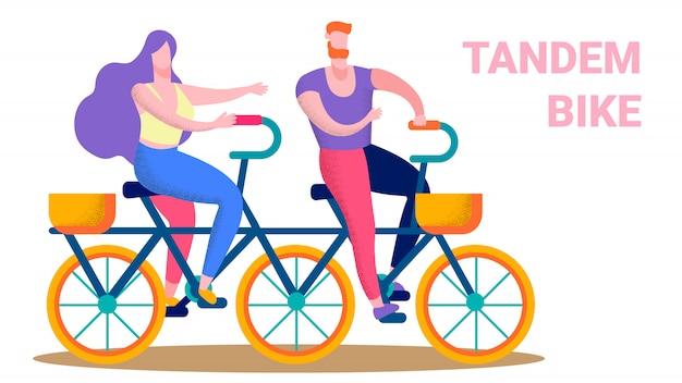 Coppie felici che guidano l'insegna piana del testo della bici in tandem Vettore Premium