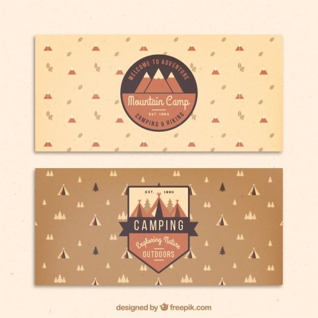 Disegnati a mano striscioni avventura con badge Vettore gratuito