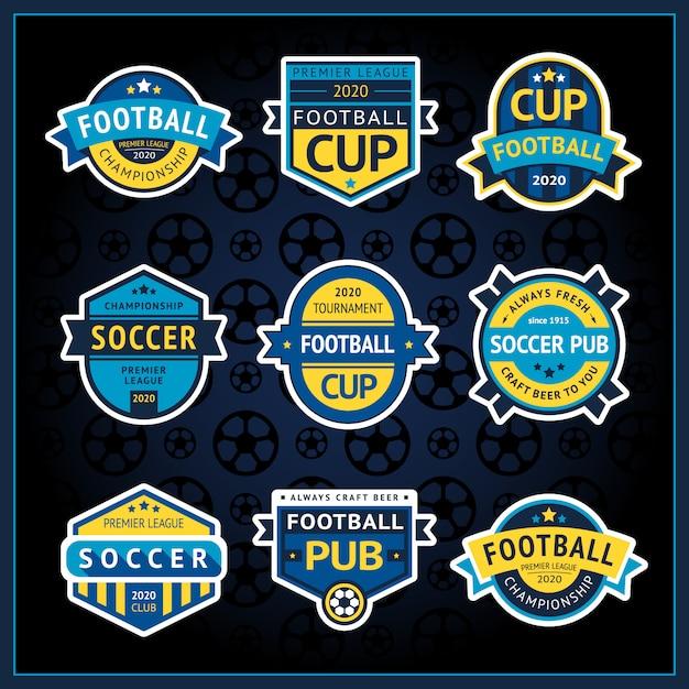 Distintivi stabiliti della tazza di calcio, etichette del pub di calcio, illustrazione Vettore Premium