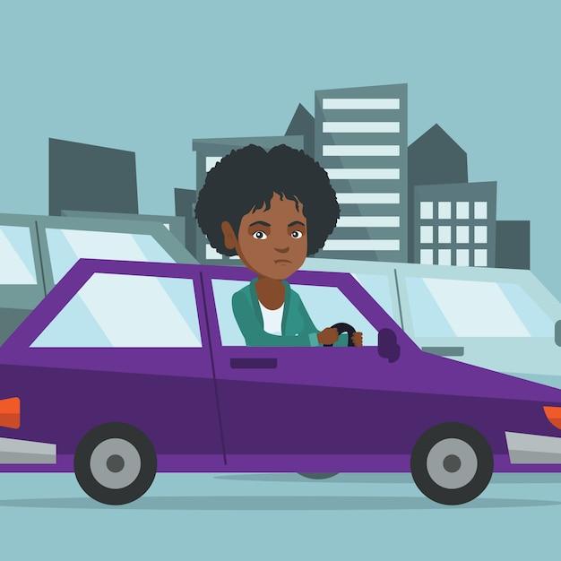 Donna africana arrabbiata in automobile bloccata in ingorgo stradale. Vettore Premium