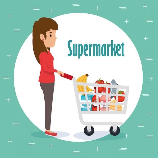 Donna con generi alimentari al supermercato Vettore gratuito