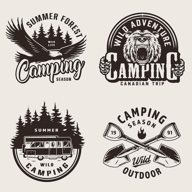 Emblemi di campeggio estivo vintage Vettore gratuito