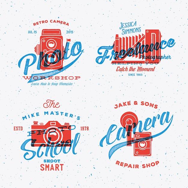 Etichette o loghi di fotografia della retro macchina fotografica con tipografia shabby texture vintage. Vettore Premium