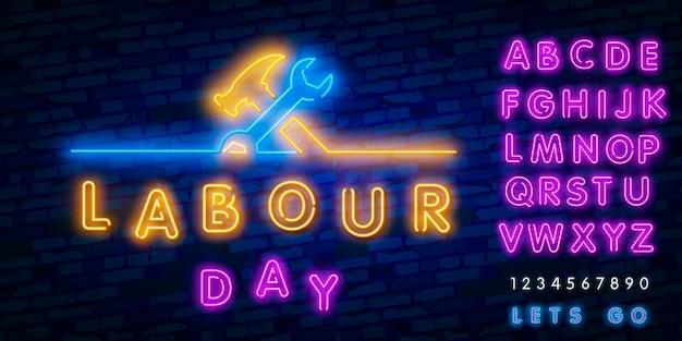 Felice festa del lavoro banner, logo, emblema ed etichetta. Vettore Premium