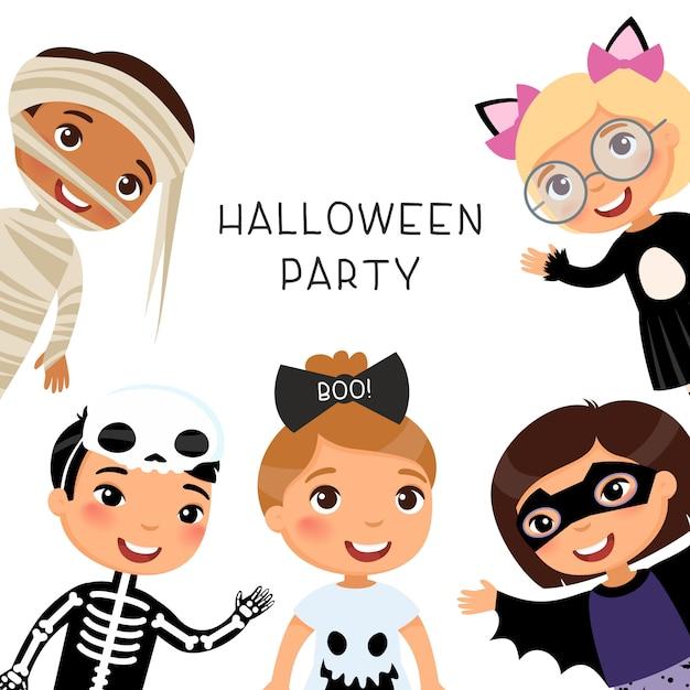 Festa di halloween con bambini in costumi mostruosi di mostri. personaggi dei cartoni animati di mummia, gatto, scheletro, fantasma e pipistrello. Vettore Premium