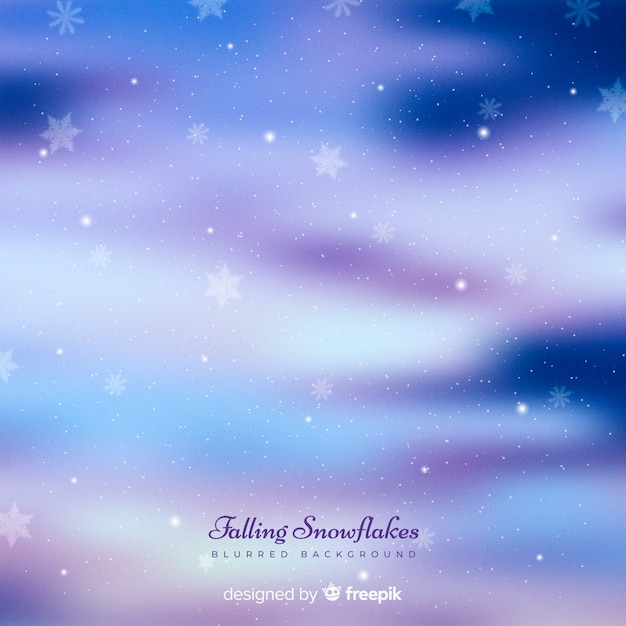 Fiocchi di neve caduta realistici sullo sfondo del cielo Vettore gratuito